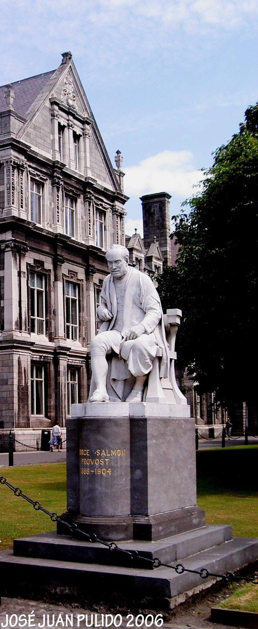 Dublín Trinity College George Salmon  fue un matemático y teólogo irlandés.   Geómetra y descubrió, junto con Cayley, las 27 líneas de la superficie cúbica.   Desde 1874 sintió que no podía añadir nada nuevo a las matemáticas  la mayoría de sus escritos tratarían de teología. .  Ejerció de canciller de la Catedral de San Patricio.  Dublin Trinity College George Salmon Was an Irish mathematician and theologian Most of his writings would deal with theology