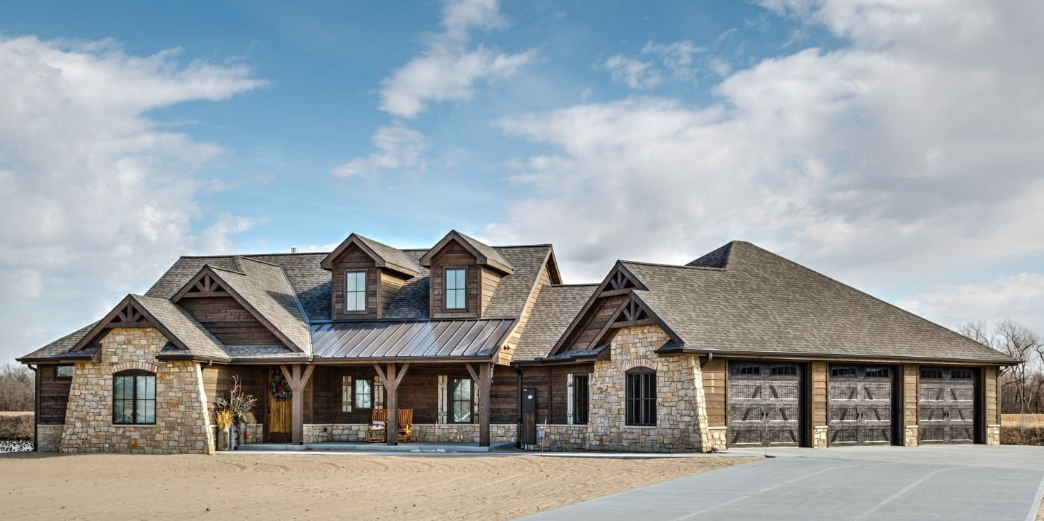 Ranchwood Siding And Trim In 2020 Modern Rustic Homes Wood Siding House Styles