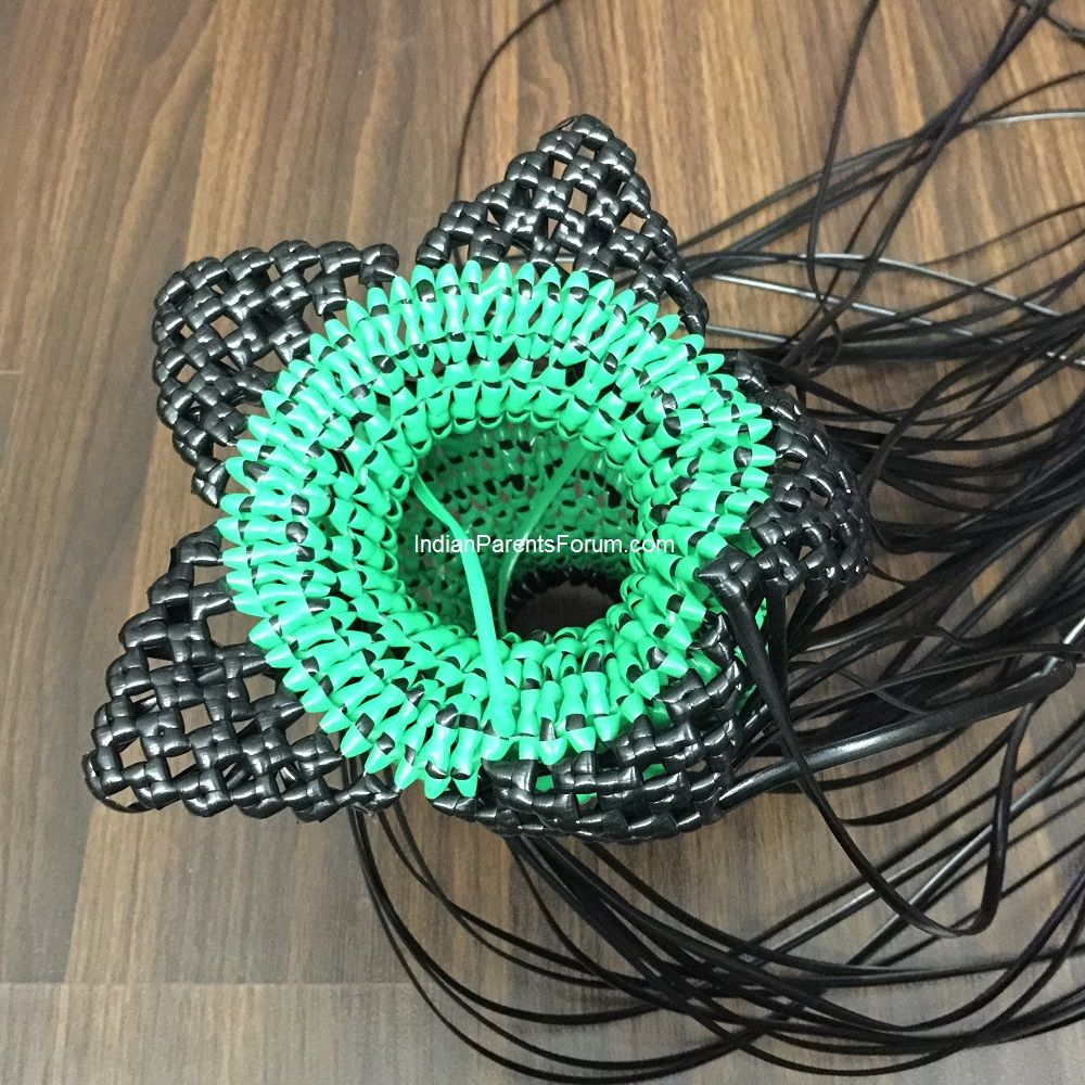 Plastic Wire Flower Vase – Expanding Without Beads | Weaving Indian ...
