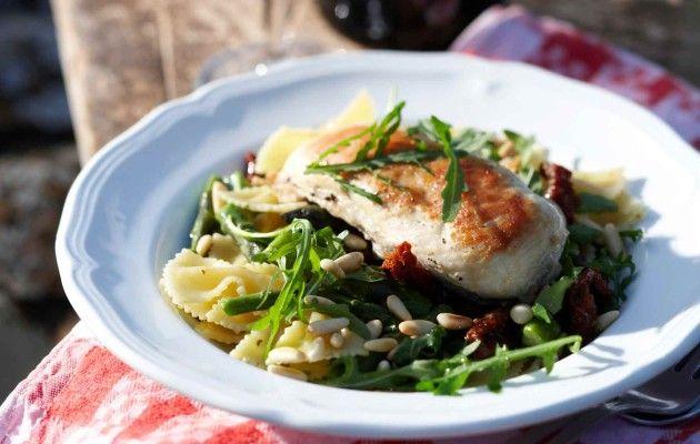 Chicken and pasta in Tuscany style - Broileria ja pastaa toscanalaisittain, resepti Ruoka.fi