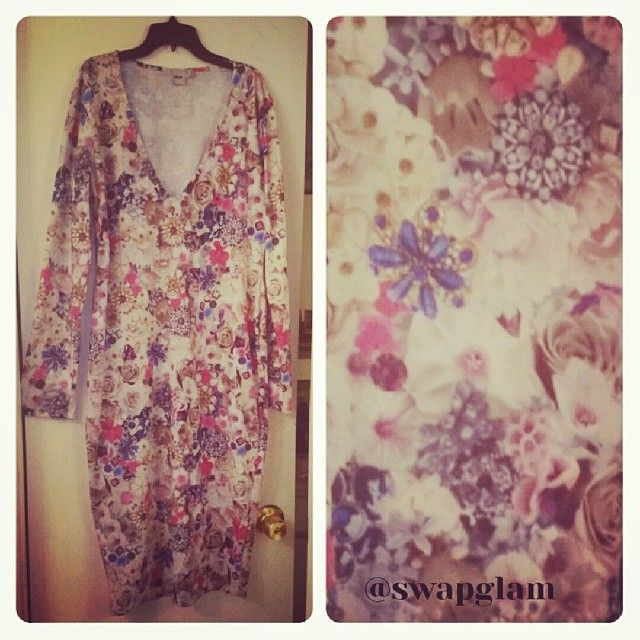 Floral V-Neck Body-Con Midi Dress, Long Sleeve, Size US 14, Form Fitting, Brand-ASOS, Retail $54/Swap Value $25, Gently Worn, Direct Message lisamichelle10 if interested in swapping or buying!!! #swapglam #datenight #romantic #plungeneck #midi #bodycon #asos #floral #sexydress #workappropriate #layer #blazer