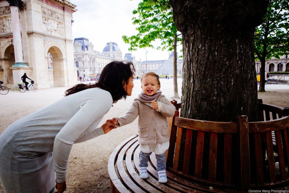 Family photo shoot inspiration by Christine Wang, photographer in Paris, France. Discover Christine's photography on KYMA - find and instantly book your perfect family photographer on gokyma.com