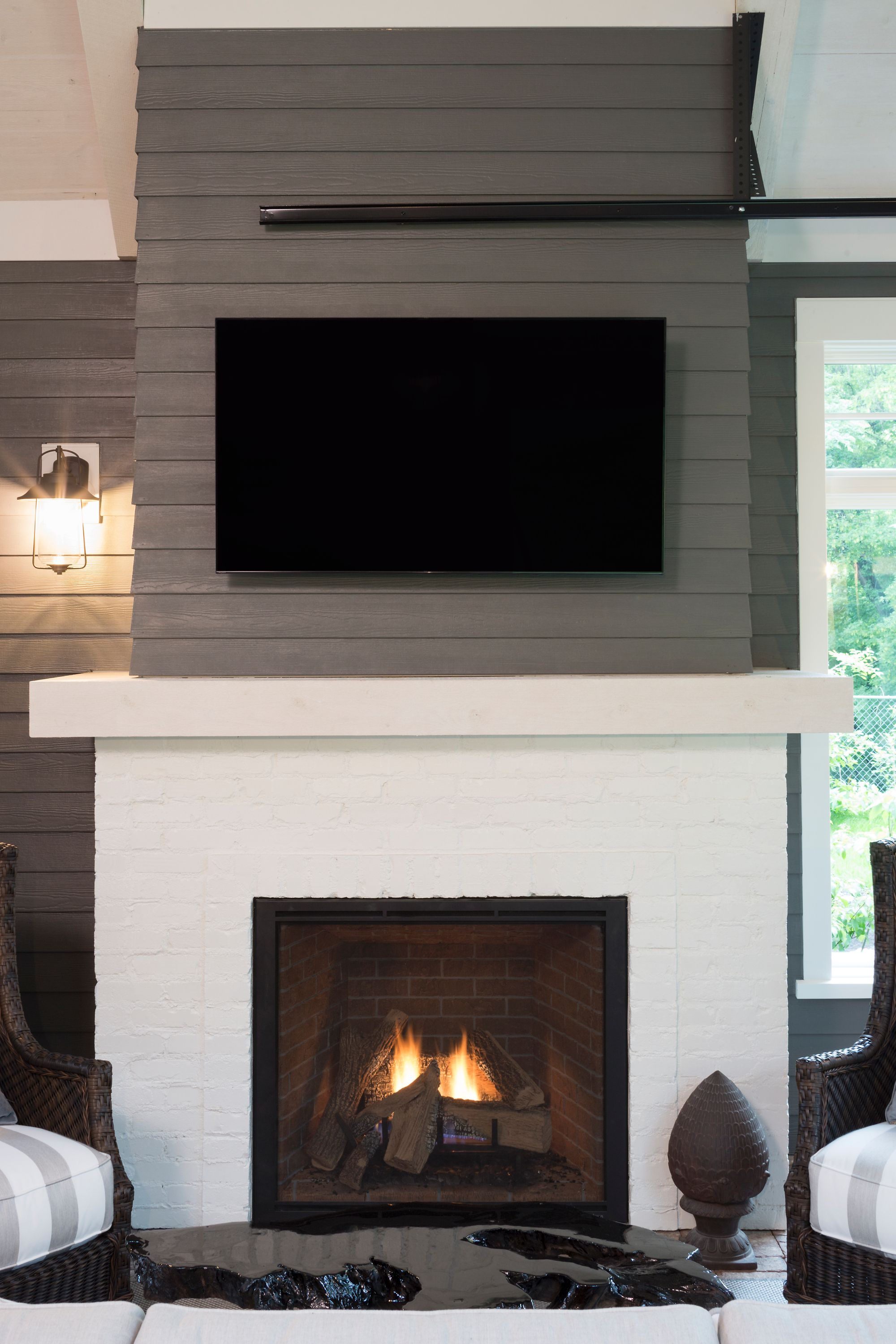 Novus Fireplace Crisp Edges And A Massive View Of The Fire Serve As The Focal