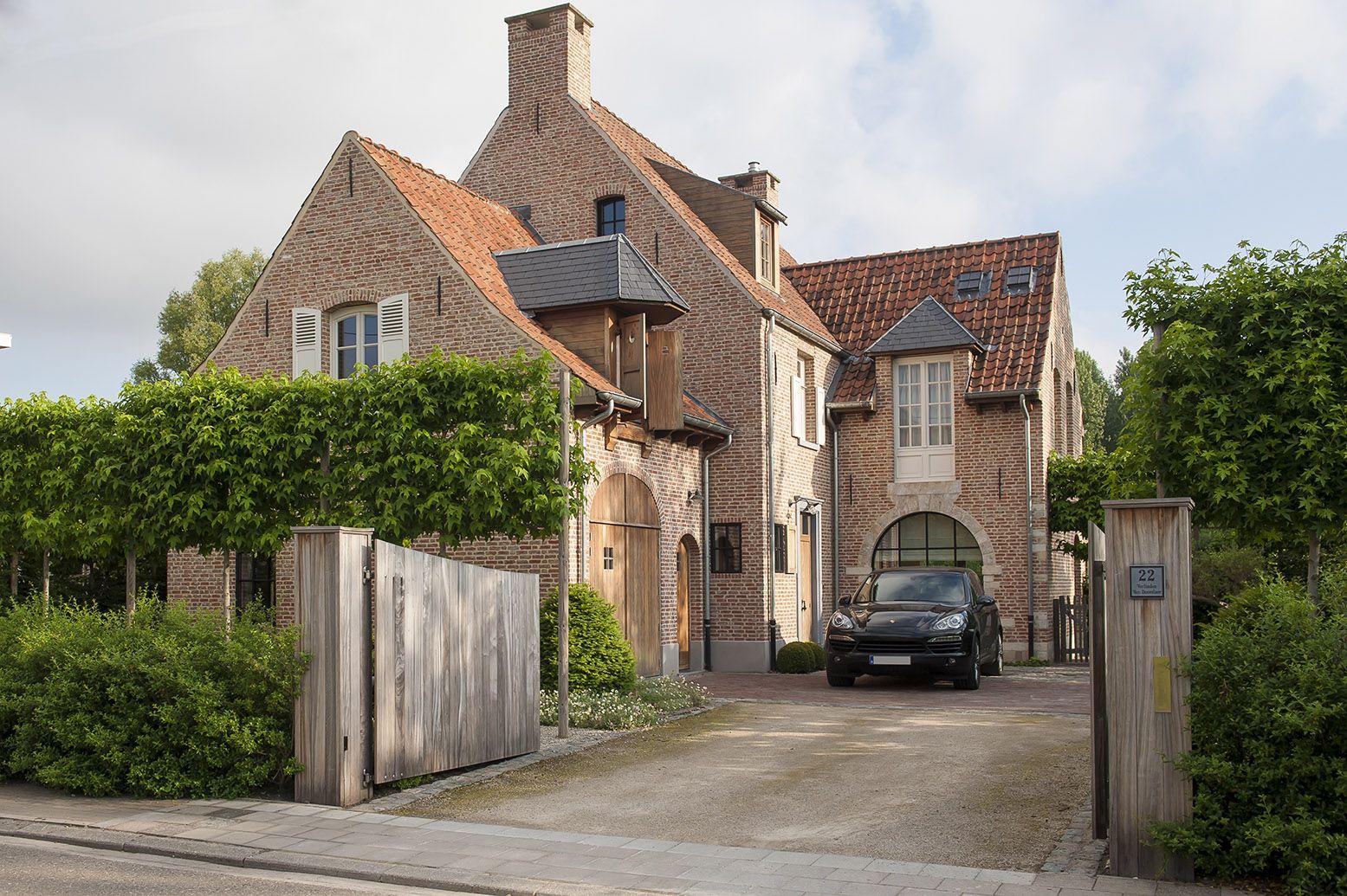 Landelijke villa met stijlvolle voortuin tuinaanleg de for Architect landelijk