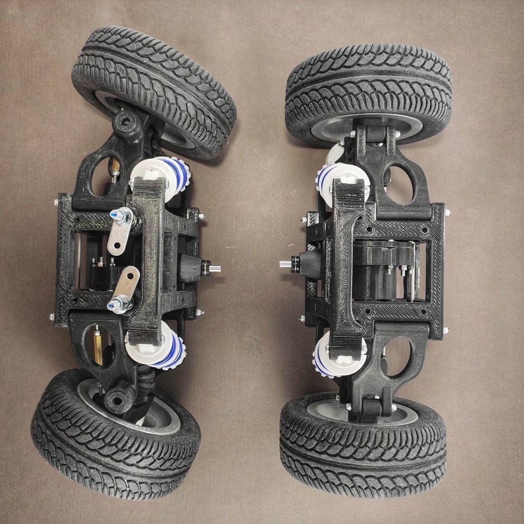 6 отметок «Нравится», 0 комментариев — @drei._.d в Instagram: «Front and rear suspension ready. Ahead is the body assembly. #electriccar #scalemodel #modelkit…»