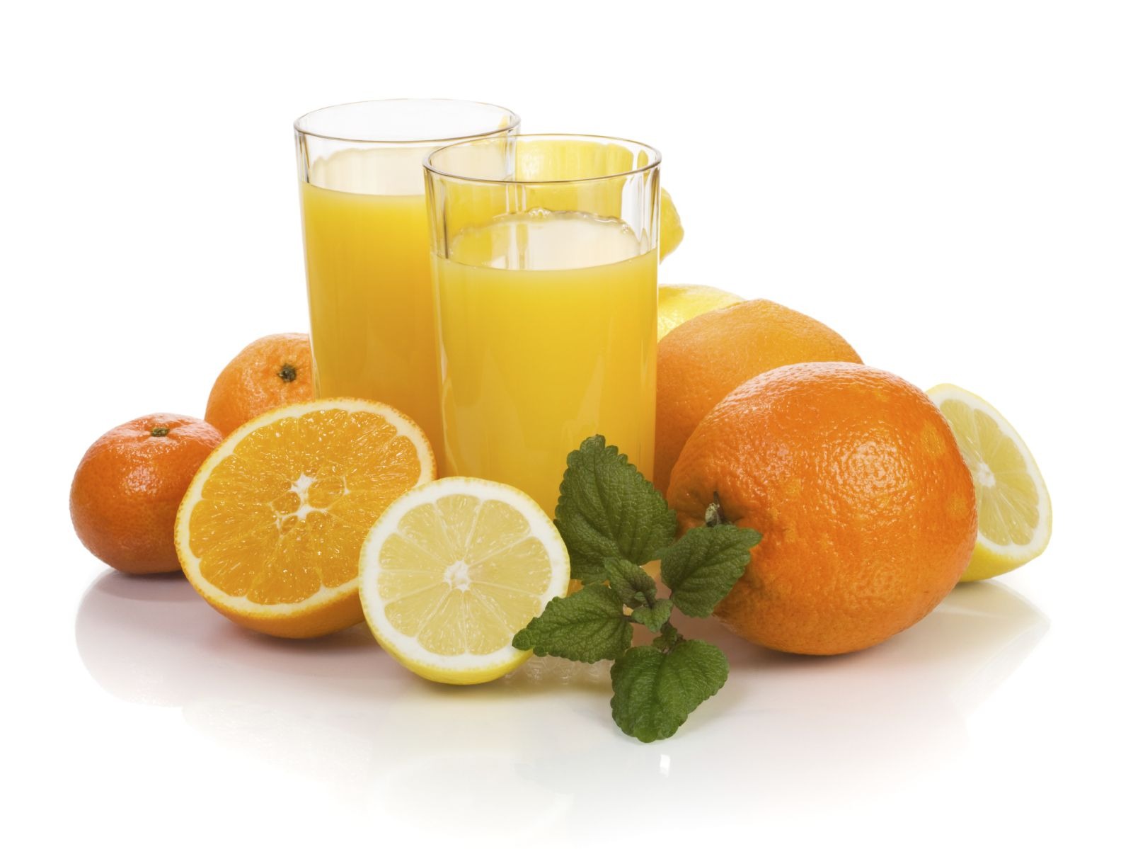 If you're only using vitamin C for slowing down a cold… You have to take a look at this. Here are five ways you can use vitamin C to look and feel healthier.