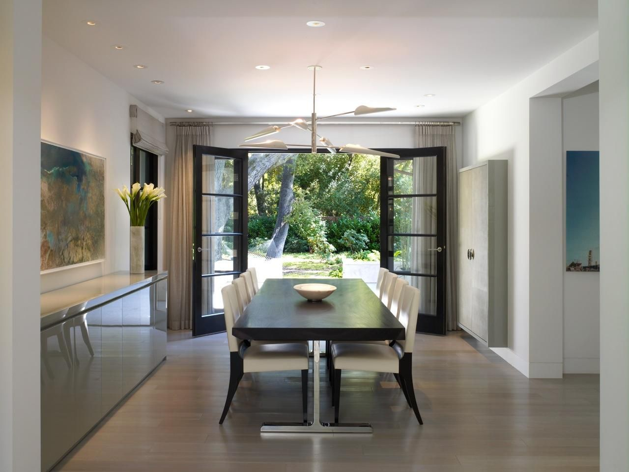 10 Beautiful Dining Rooms With French Doors Beautiful Dining Rooms Modern Dining Room French Doors