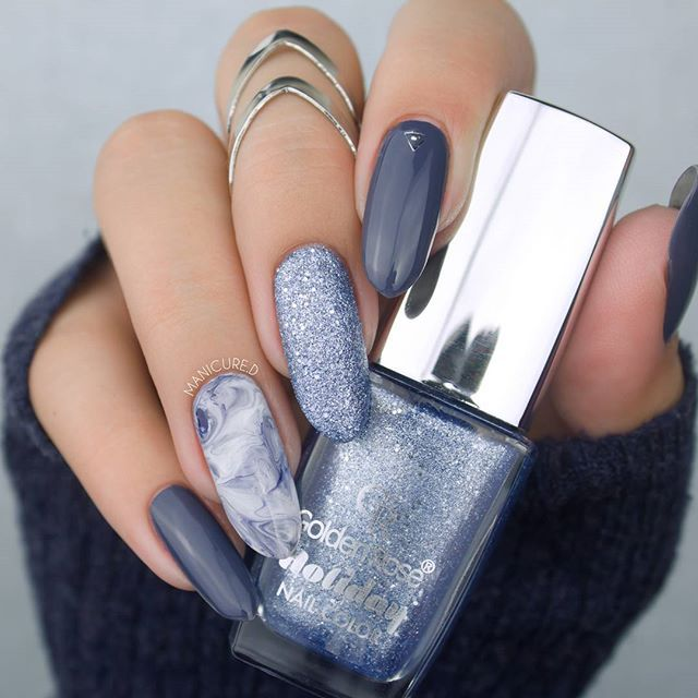 Blue and grey nails