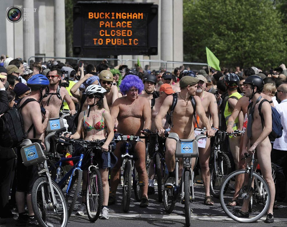 Nude Bicyclists Protest