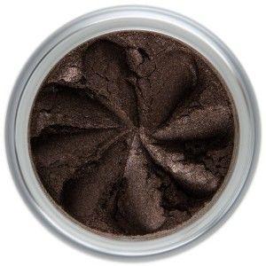 Moonlight... un magnifique marron chocolat intense, légèrement irisé - idéal pour un regard profond «smoky eyes». Riches en pigments naturels, les Ombres à Paupières Minérales Lily Lolo offrent des couleurs vibrantes et une tenue irréprochable. Formule non-comédogène. 6,50€ #maquillage #mineral #naturel #fard #paupieres #lilylolo www.officina-paris.fr