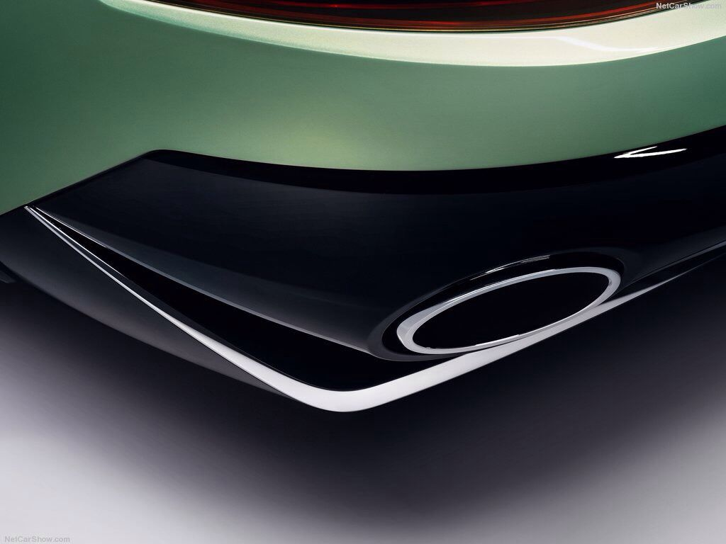 2016 Skoda VisionS Concept >  The Skoda VisionS provides with a power output of 165 kW (225 PS), the show car accelerates from zero to 100 km/h in 7.4 seconds and has a top speed of almost 200 km/h. 1.9 litres of petrol is all the car needs to travel 100 km (45 g CO2/km). The Skoda VisionS can cover up to 50 km on electric mode alone, and travels up to 1,000 km with both systems combined. The petrol engine is a 1.4 TSI with 115 kW (156 PS) and 250 Nm of torque.