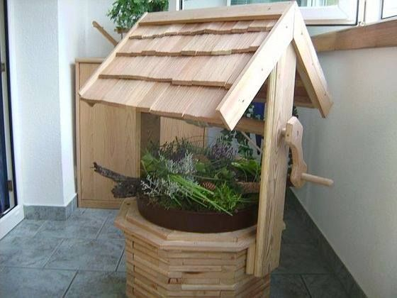 wooden wishing well planter for your balcony terrace. Black Bedroom Furniture Sets. Home Design Ideas