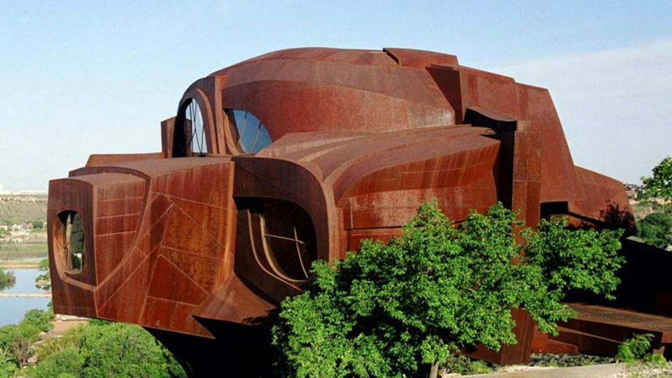 A House Made from 110 Tons of Steel Steel house