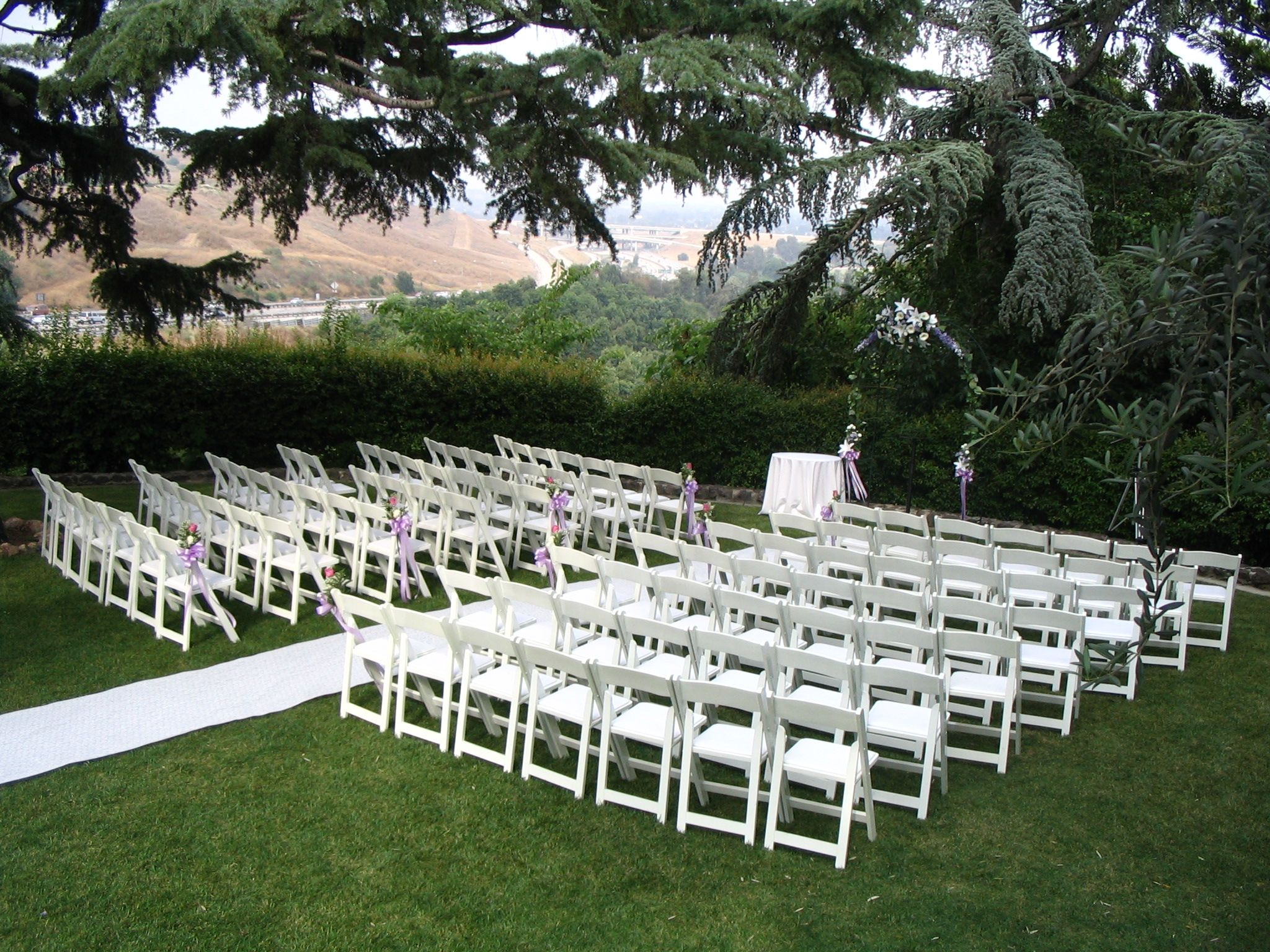Simple ceremony with a beautiful backdrop #kellogghouse # ...