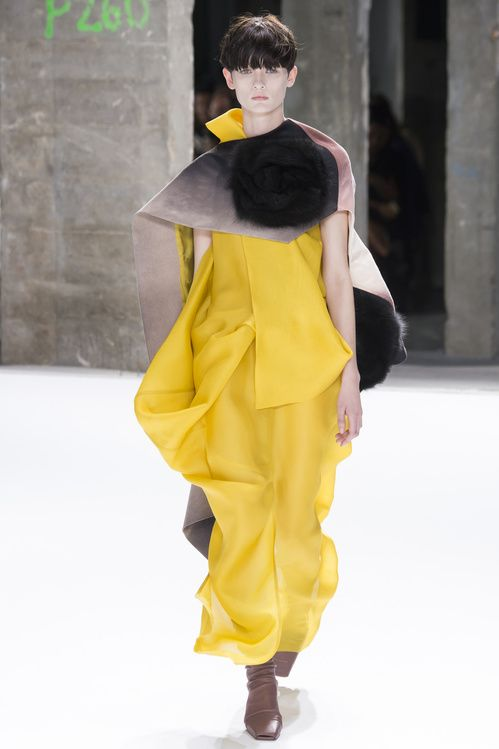 PE2017 fashion week paris #SuzyPFW Rick Owens: Immersed In Colour 3
