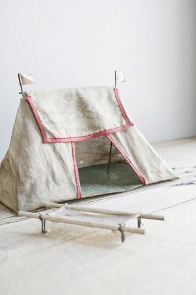A tent of one's own. Sido, isn't this awesome! You could do this for Oliver one day with one of your fabrics!