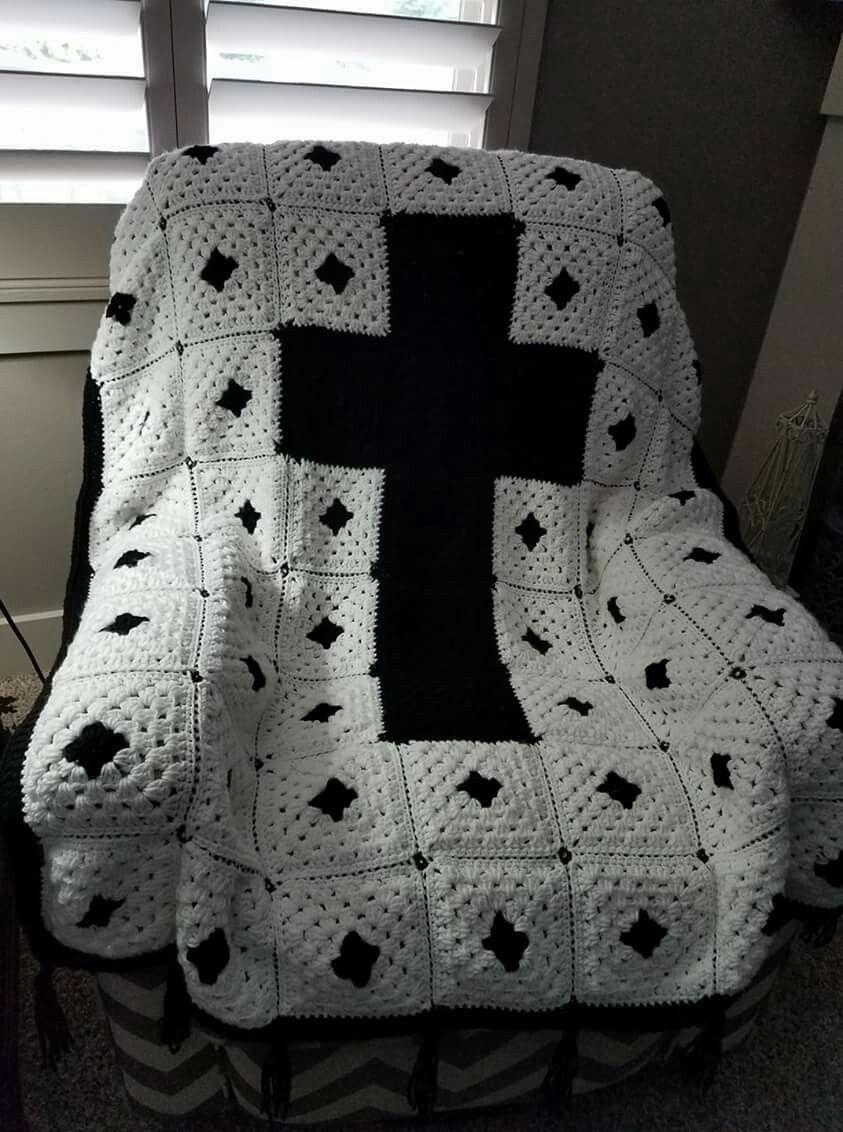 Crochet Cross granny squares blanket | crochet | Pinterest | Cristianos
