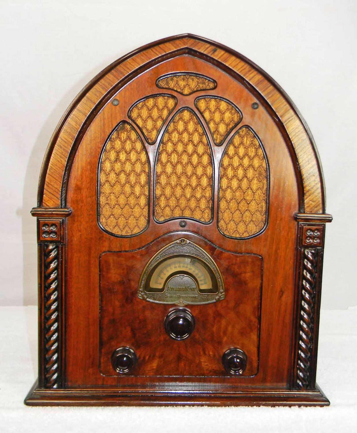 Atwater Kent 82 Cathedral (1932)  Antique Radio with mini-jack installed
