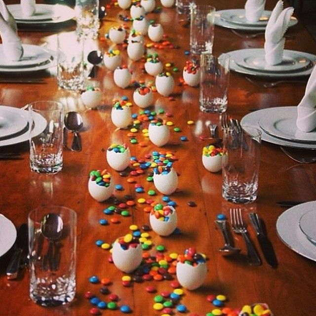 Bom dia!!! Inspiração linda, fácil e gostosa para mesa de Páscoa! Os pequenos vão amar! ❤️ #lojacarimboinspira, #pascoa , #decoracaopascoa