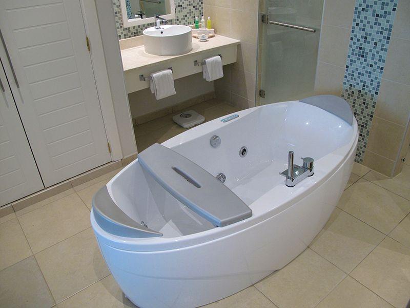 Jacuzzi In Bathroom Resort Ocean Casa Del Mar In Cayo Santa Maria Cuba Cayosantamariacuba Net Cayo Santa Maria Hotel Santa Maria Cuba