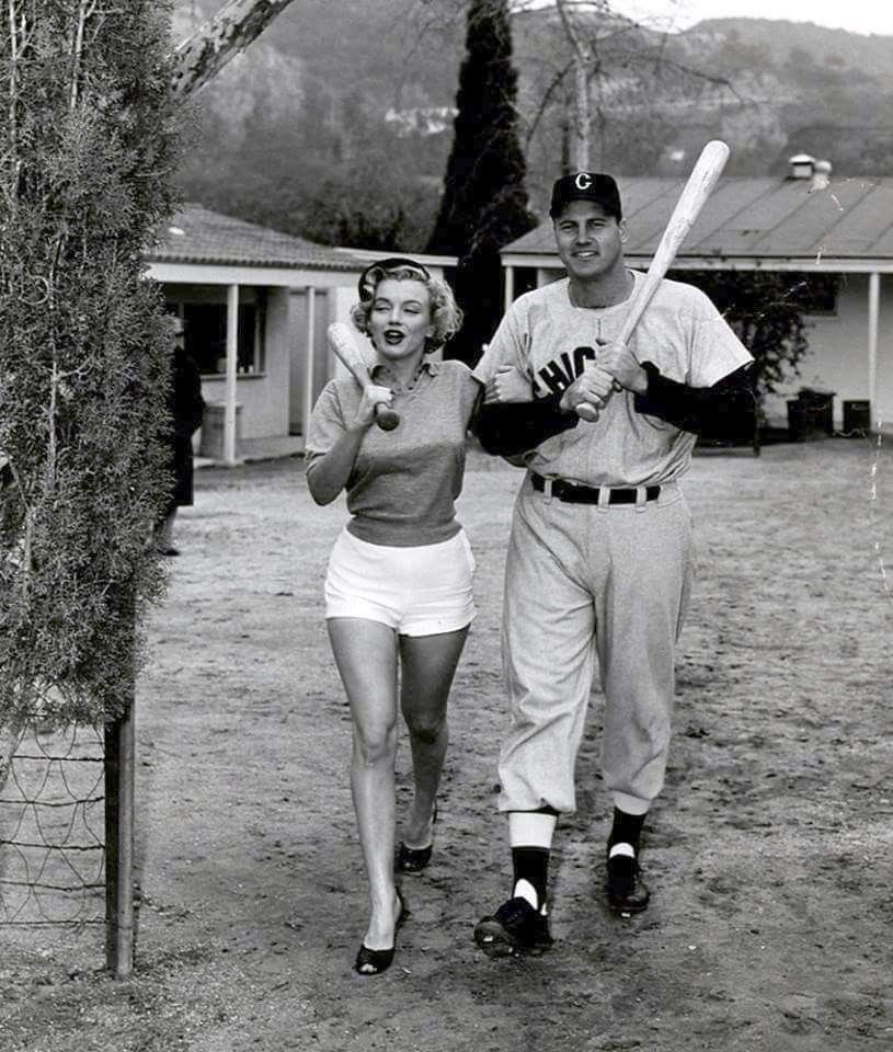 Marilyn At A White Sox Spring Training Camp 1951 Joe Dimaggio Marilyn Monroe Marilyn Monroe Marilyn