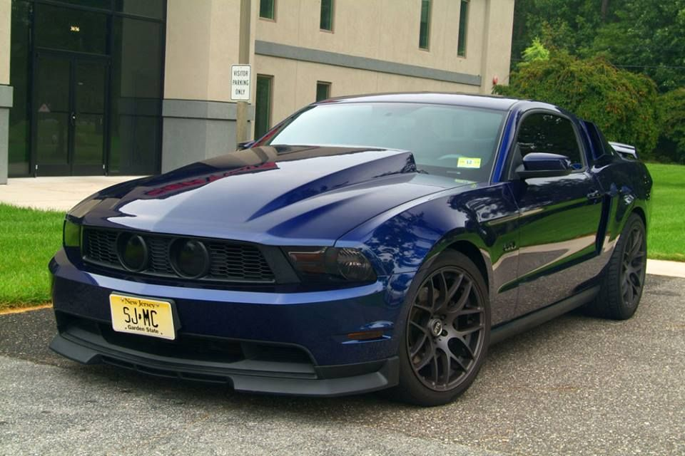 civinis 4 inch cowl hood on a 2011 stang mustang. Black Bedroom Furniture Sets. Home Design Ideas