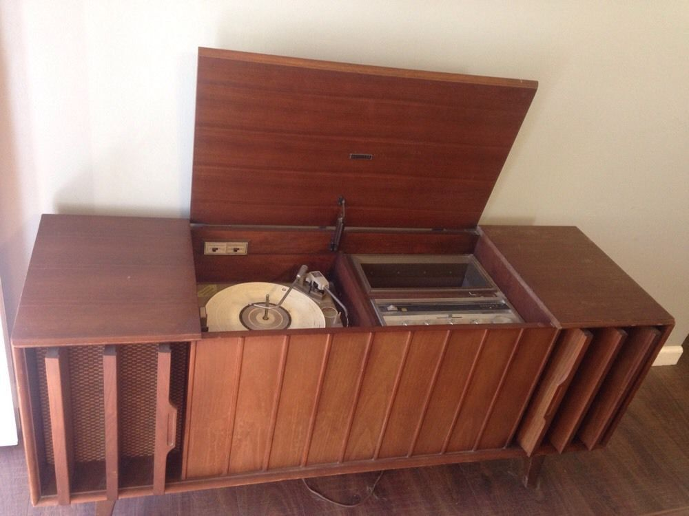 Zenith Vintage 1969 Stereo Record Player Console Model