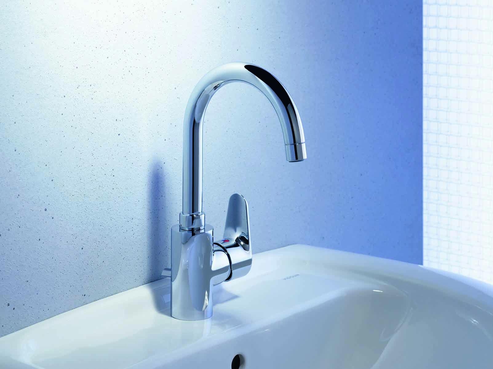 Hier ist der Weg zum neuen Bad: mit dem Handwaschbecken derby von ...