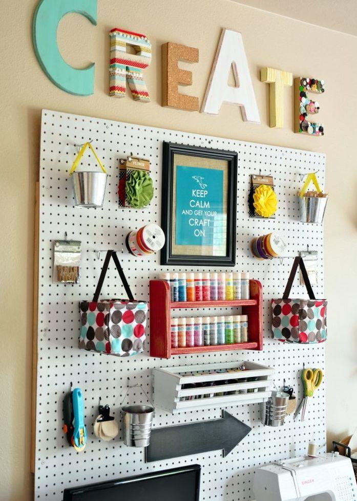 10 ideas para decorar con panel de agujeros ideas para for Ideas para decorar mi escritorio
