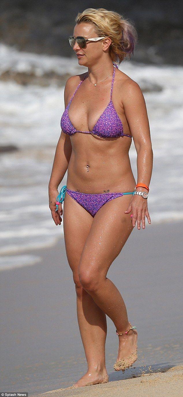 Britney spears swimsuit pics