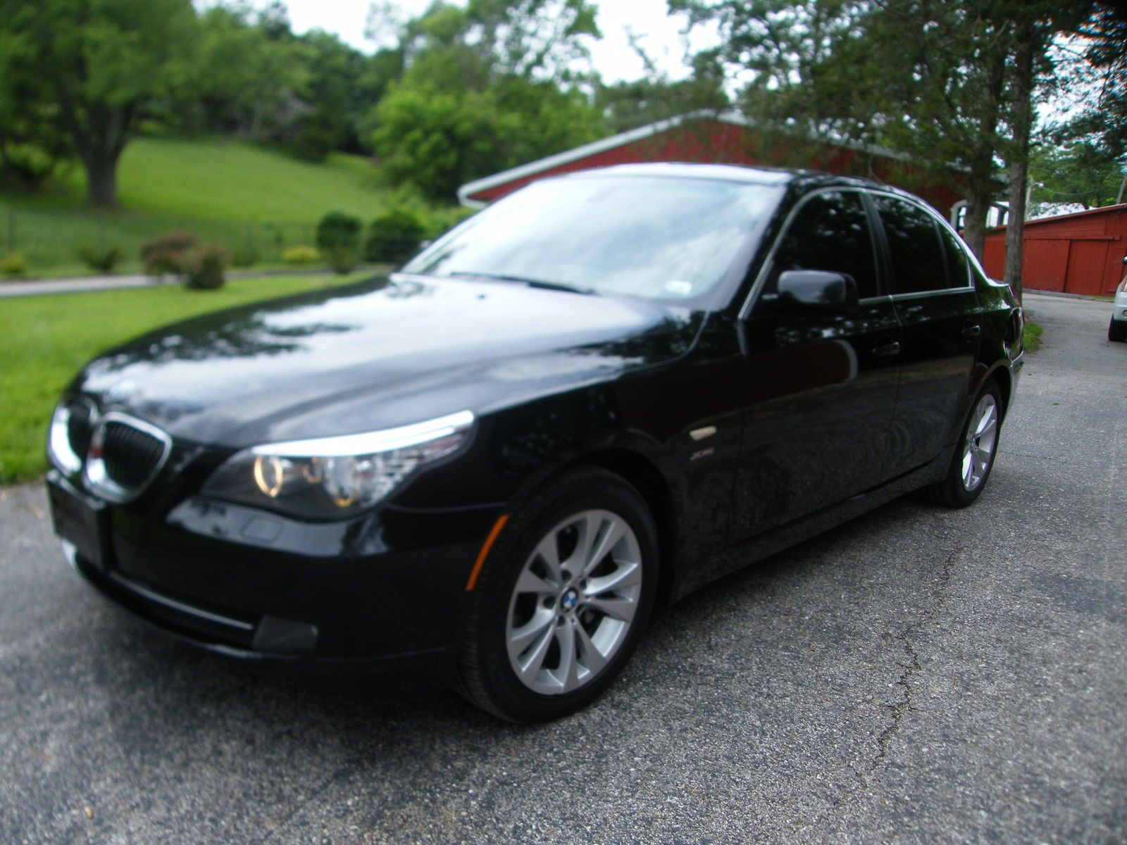 BMW 5 Series 4dr Sdn 535i Super Clean and ready to go