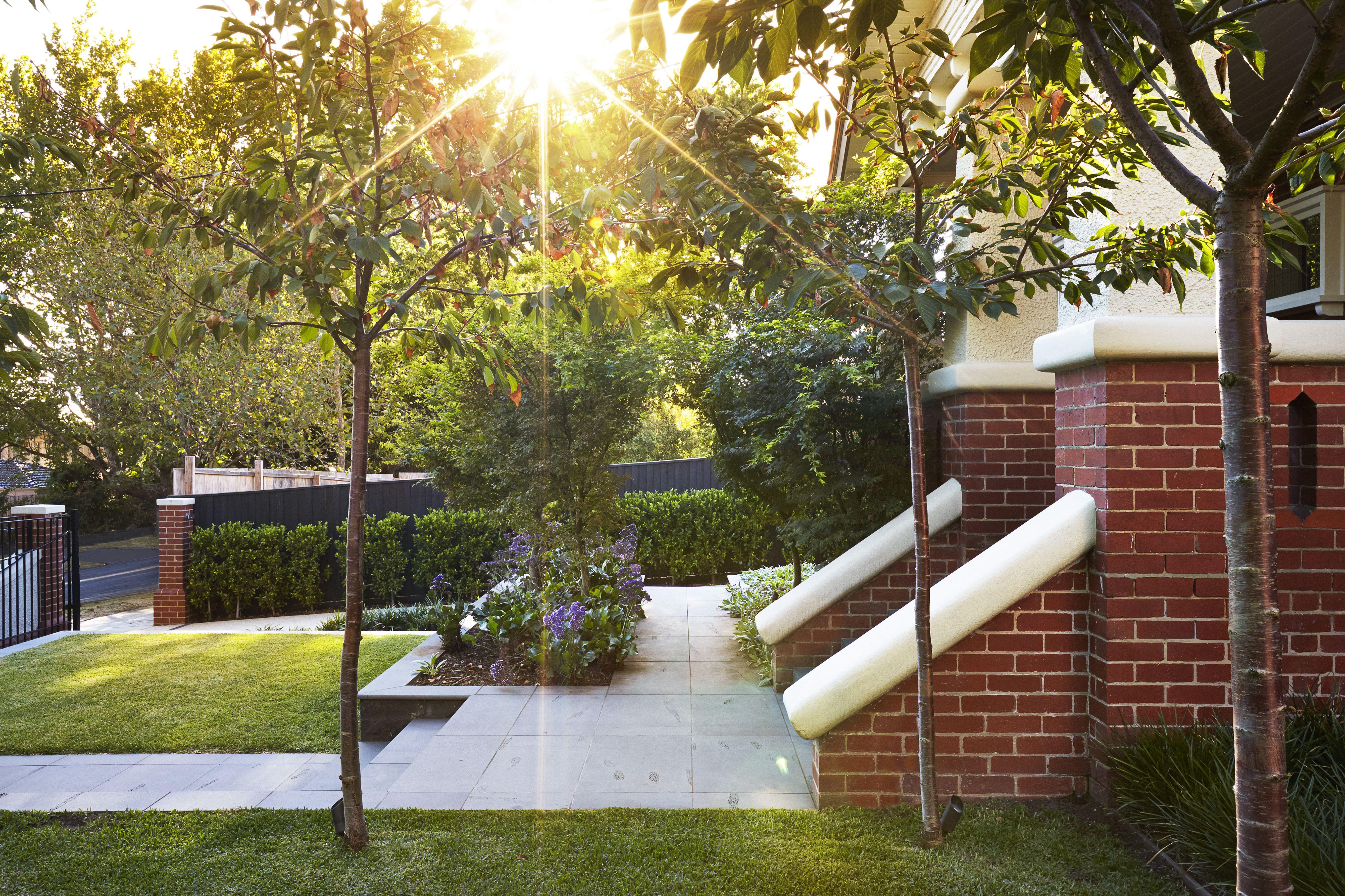Nathan Burkett Design, Front entrance garden design to ...