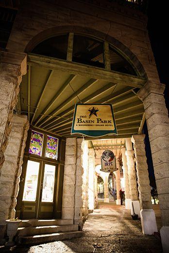 Enchanting Entrance To The Basin Park Hotel Eureka Springs Weddings
