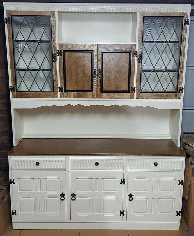 Large shaker style dresser For Sale in Leicester
