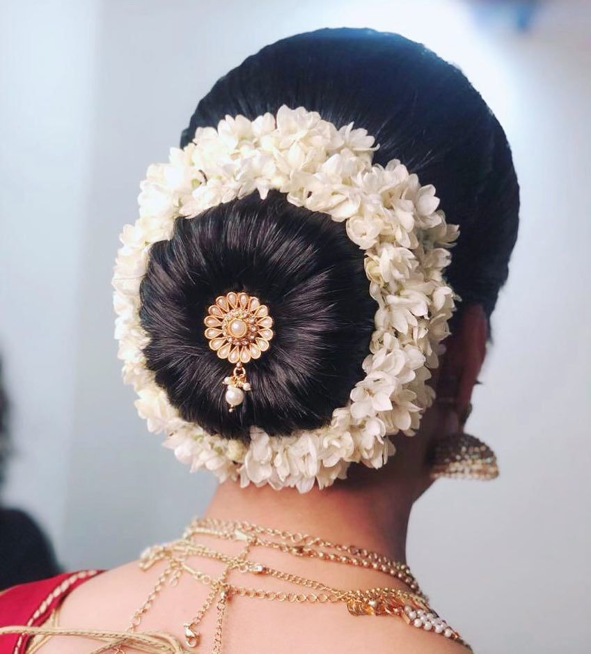 South Indian Hair Done By Azadkhanhair Morningbride Southindianhairstyle Southindiangajra Bridal Hair Buns Indian Bridal Hairstyles South Indian Hairstyle