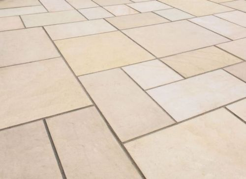 Sawn-Mint-Indian-Sandstone-Patio-Pack-paving-SPECIAL-OFFER