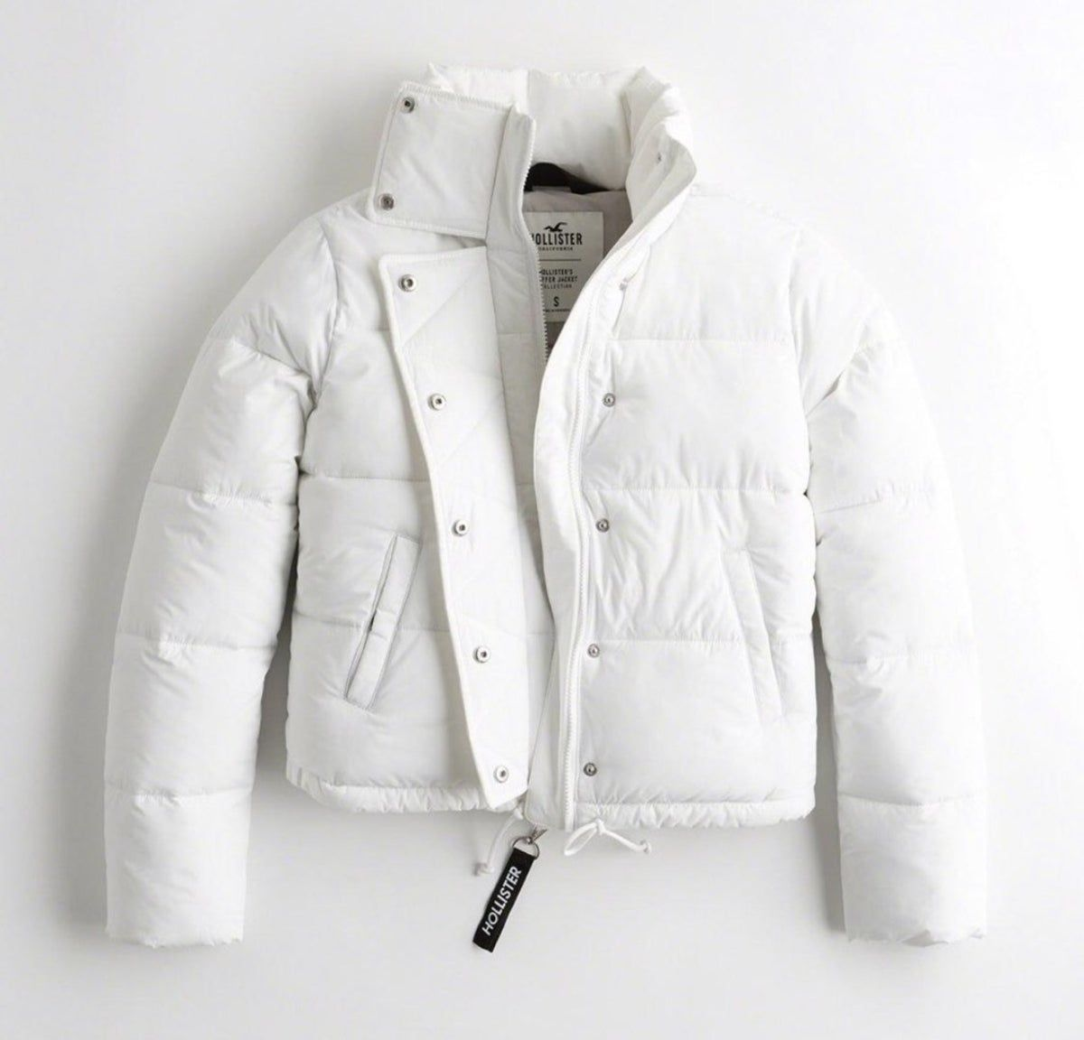 White Mock Neck Puffer Jacket Puffer Jacket Outfit Jackets White Puffer Jacket Outfit [ 1152 x 1200 Pixel ]