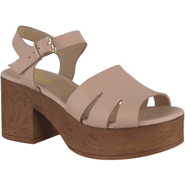 Pin de 𝙰𝚂𝙷 ☼ en KICKS Calzado de moda, Calzado mujer
