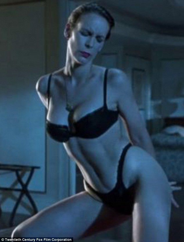 Jamie lee curtis busty