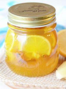 Prírodný medovo-zázvorový sirup proti nachladnutiu