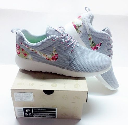 premium selection 4f573 bd67a Nike Roshe Run Womens Shoes Flower Gray Silver All New 02 2