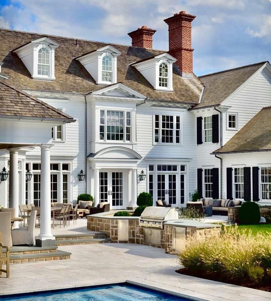 2 625 Likes 49 Comments Jennifer Todryk Author Theramblingredhead On Instagram Instead Of Watching T Preppy House Dream House Exterior House Exterior