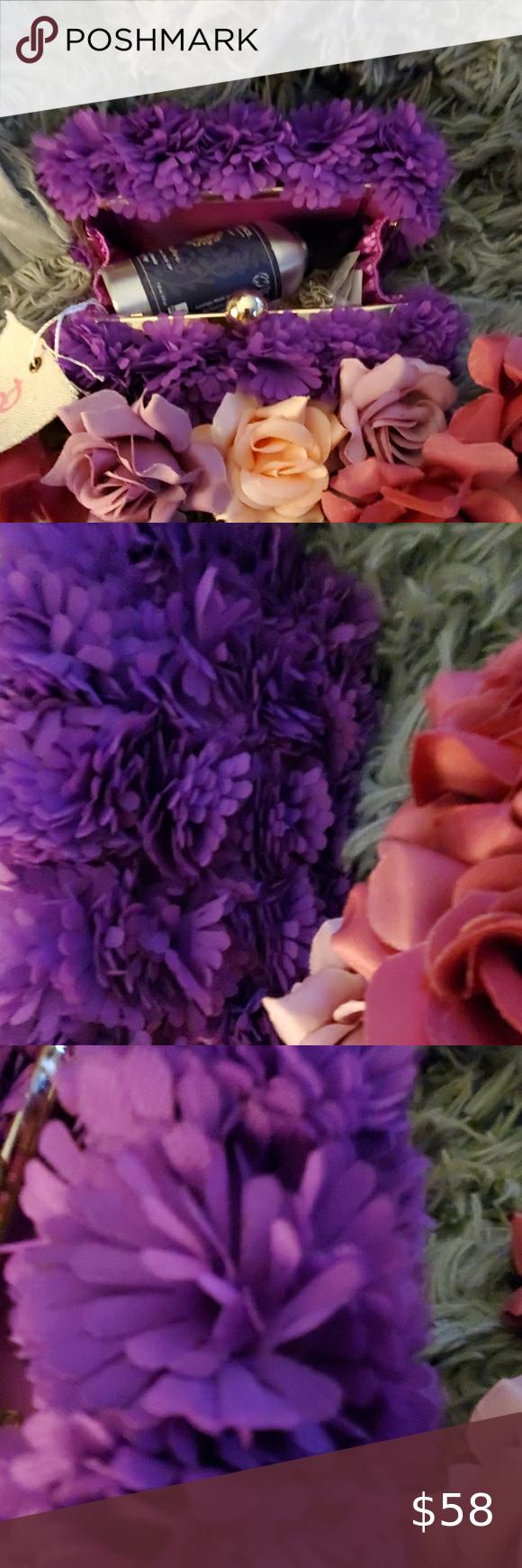 Amongst The Flowers Purple Purse So Pretty Clean In 2020 Purple Purse Pretty Purple