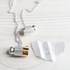 Halskette Capsule