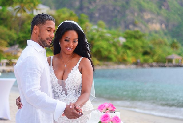 Kenya Moore Is Feeling Thankful These Days While Giving Her Husband Marc Daly A Shout Out Long Beach Wedding Dresses Chiffon Wedding Gowns Ball Gowns Wedding