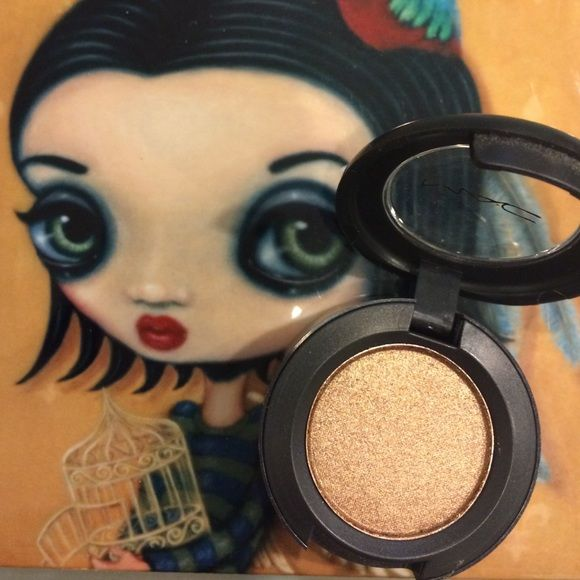 NEW MAC Tempting Eyeshadow