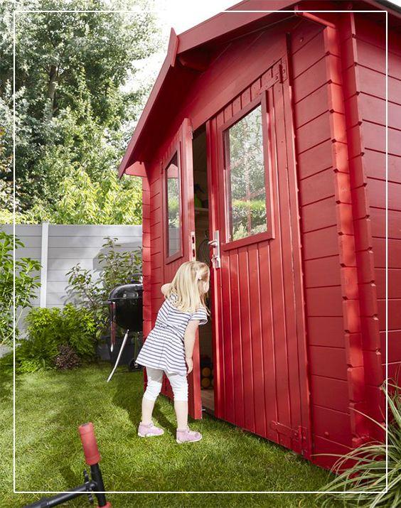 Un Abri De Jardin En Bois Juuka Au Style Chalet Pour Ranger Barbecue Outils Velos Et Autres Materiels De Ja Abri De Jardin Bois Abri De Jardin Cabane Jardin
