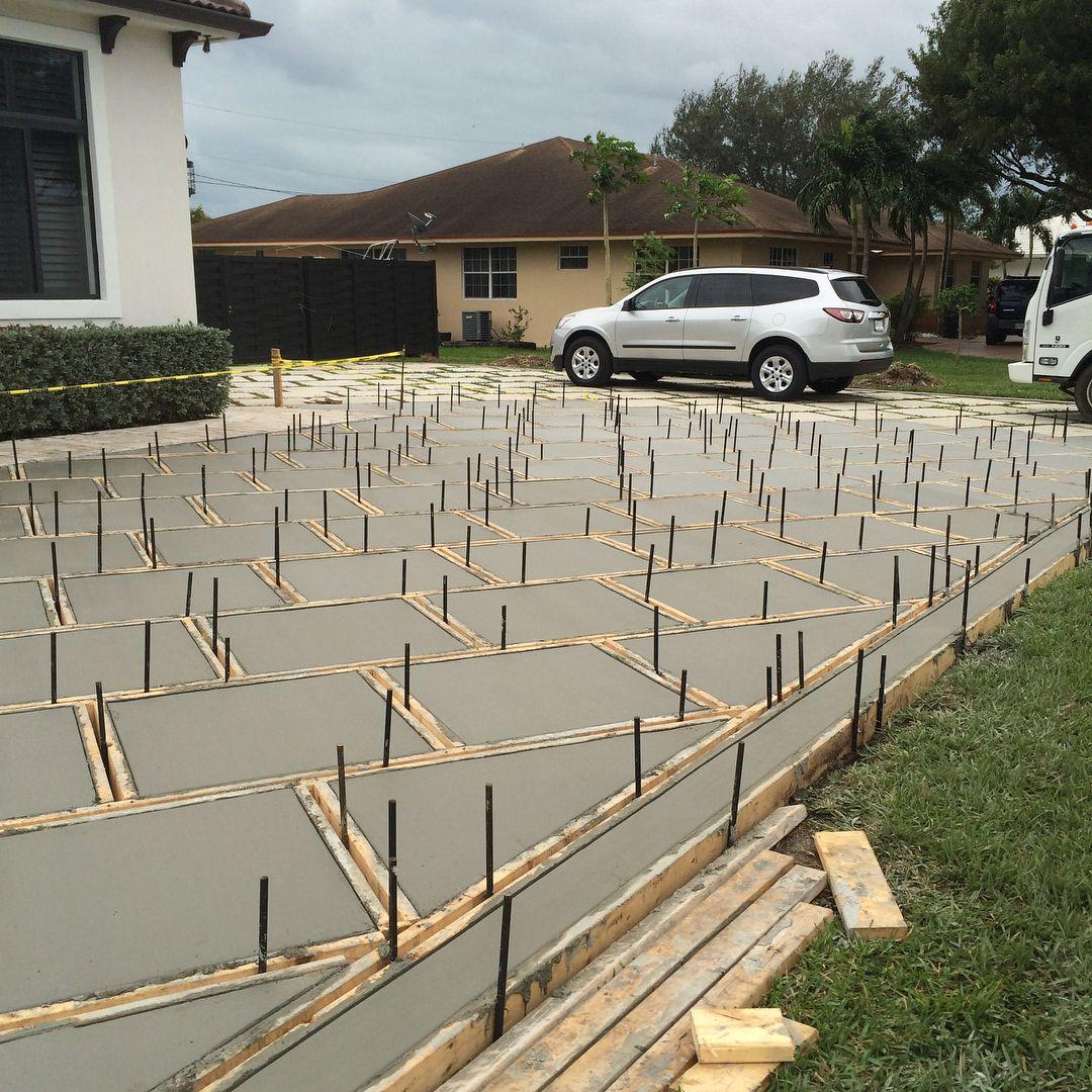 Cricket Pavers Pools Turf Na Instagramie Happy Friday Beautiful World Concrete Pad Drive Concrete Patio Designs Pool Landscape Design Pool Landscaping