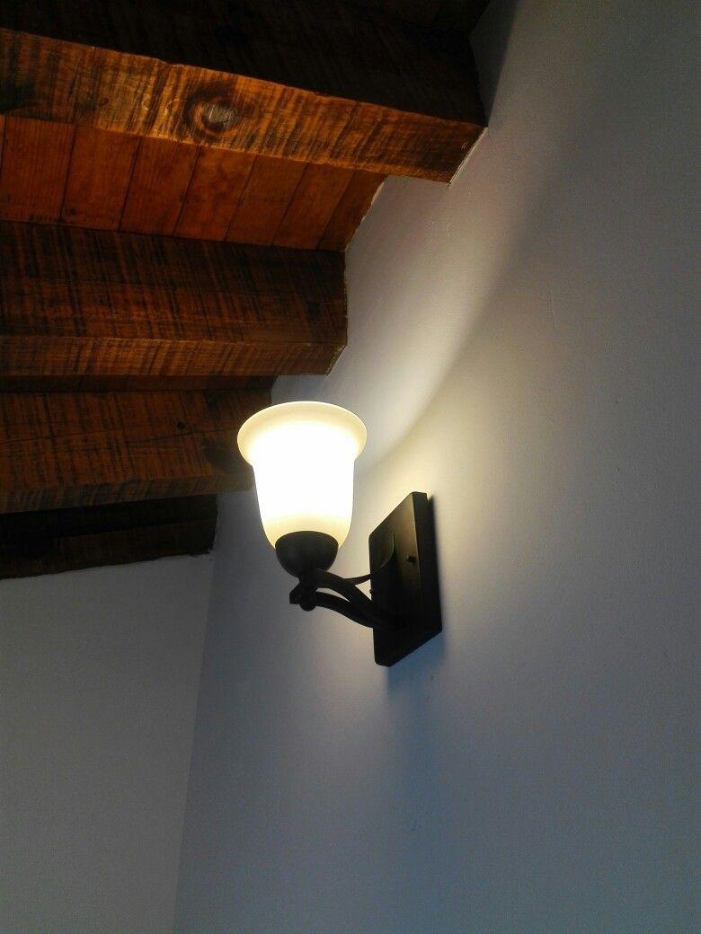 Arbotante interior techo de madera iluminaci n r stica - Iluminacion rustica interior ...
