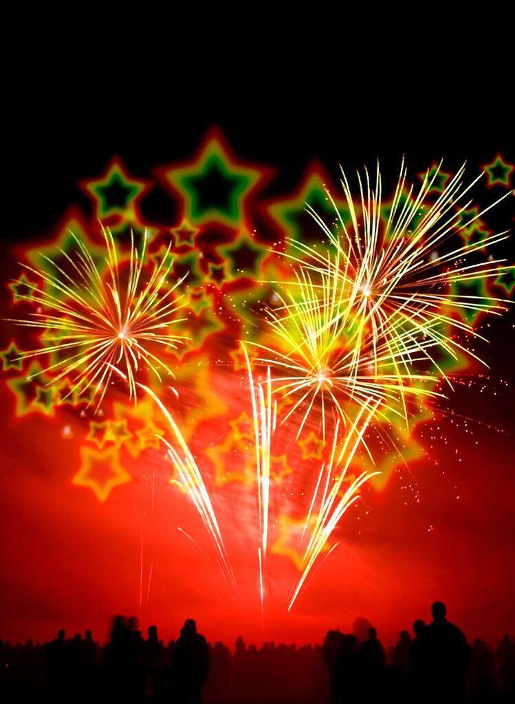 3D Brille - Stern  http://www.partyboxes.at/wunderkerzen.html 3D Brille am besten bei Dunkelheit aufsetzen, in eine Lichtquelle wie Wunderkerze, Feuerzeug, Kerze, Halogenlampe etc. blicken und staunen.   Diese Brille ist aus Pappe mit 3D Stern Effekt ein ideale Geschenk zum Geburtstag oder als Mitbringsel zur Feier, Motto Party.